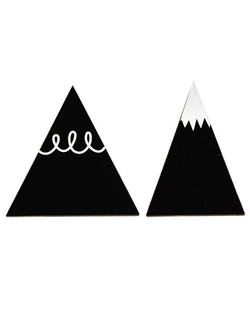 hooks-black-mountain_1024x1024