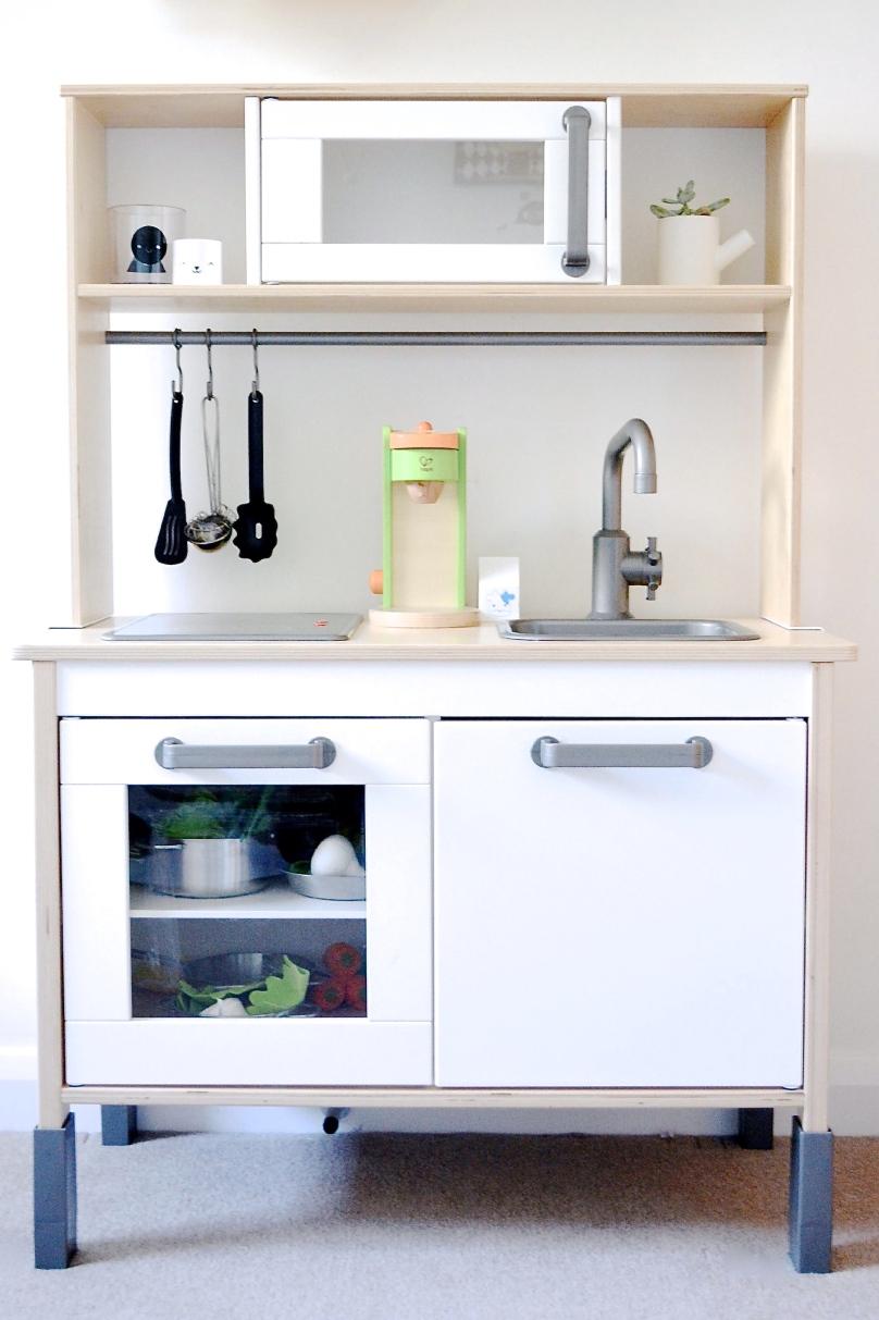 Ikea-Duktig-Play-Kitchen-Nursery-Chalk-Kids-Blog1