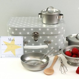original_childrens-star-baker-cookery-set-with-invitations-800x800