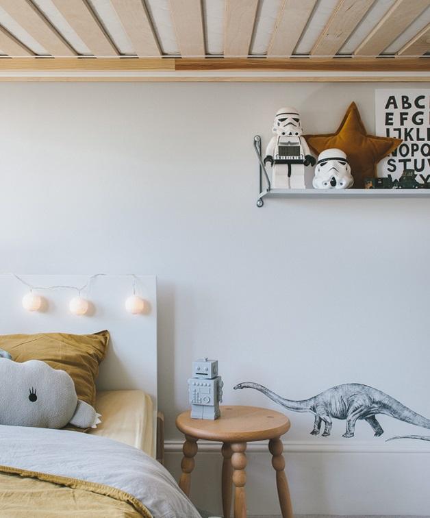 grey-yellow-boys-bedroom-034